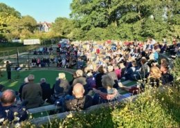 Midsummer tour audiences